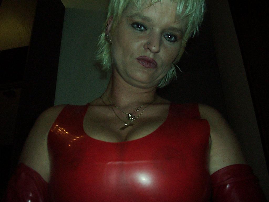 Latexfrau